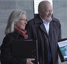 Bob Ruers en Tinka de Bruin doen aangifte tegen Eternit